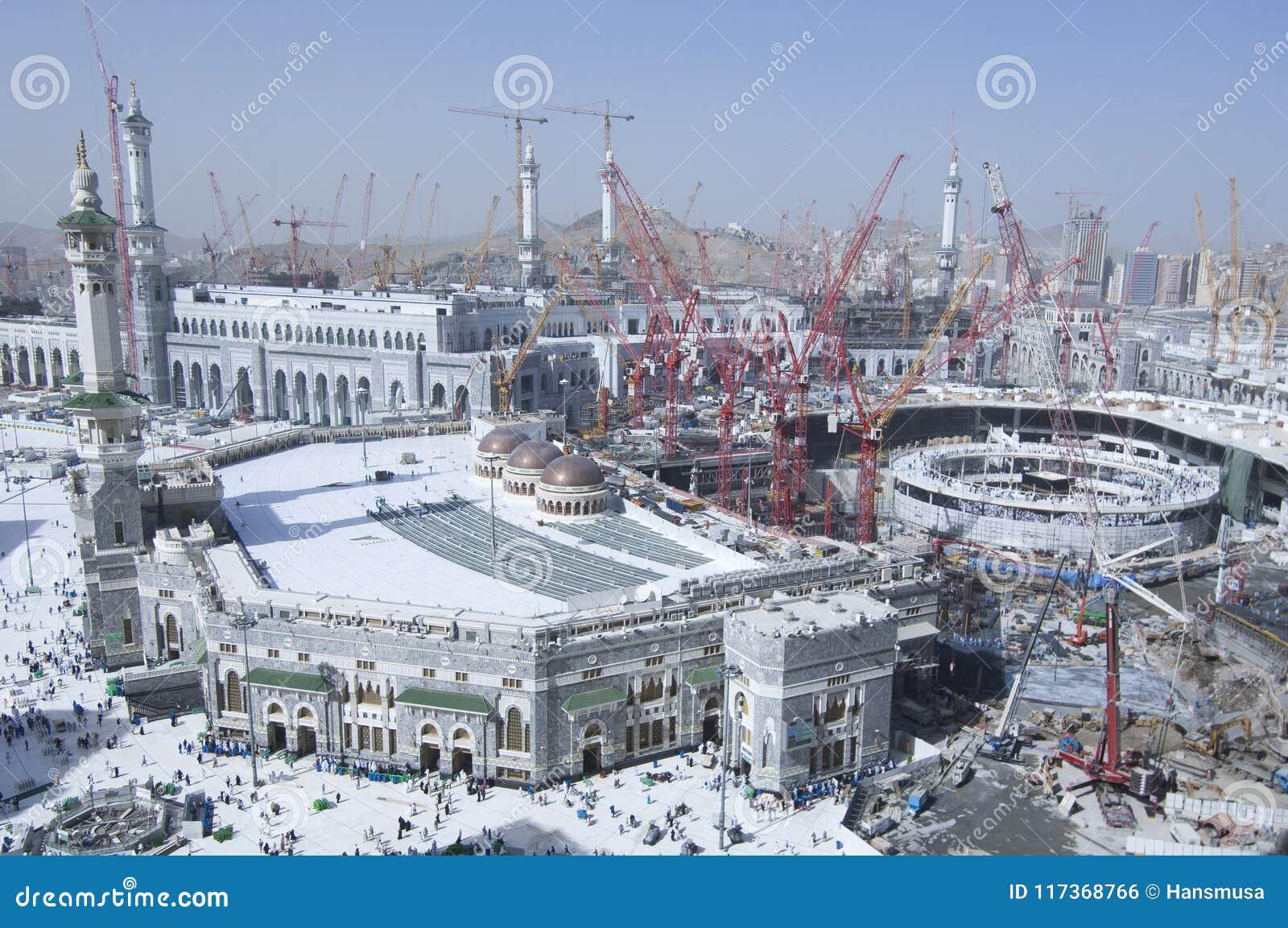 Bau des Al--Masjidals-c$haram um Al Kaaba