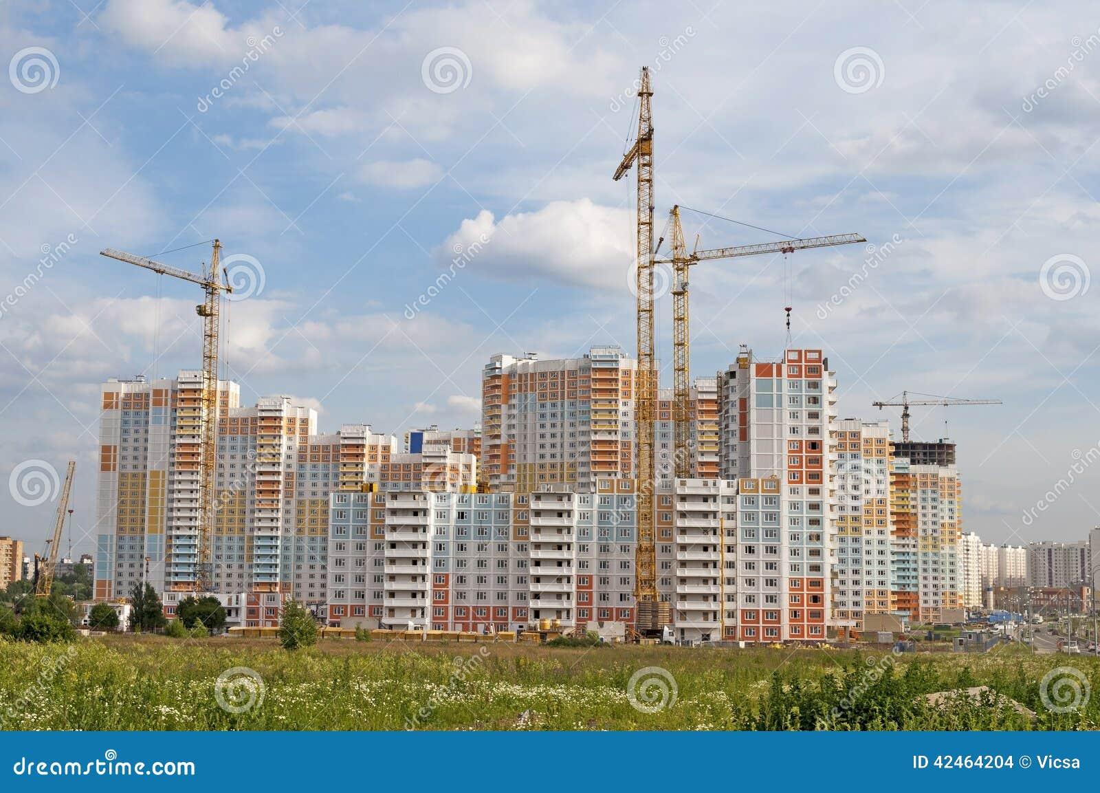 Bau des großen Wohngebäudes