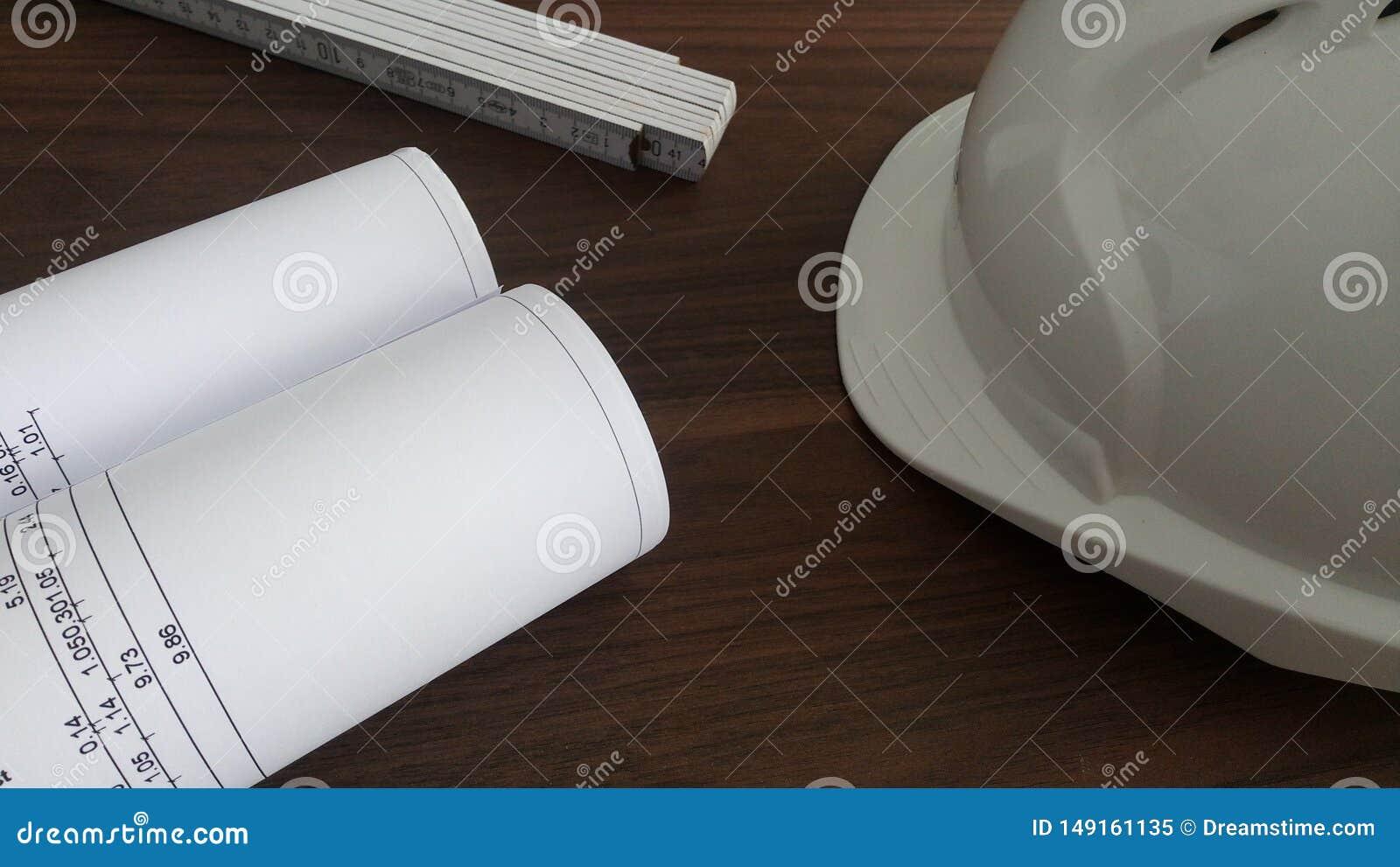 Bauplanungsschreibtisch