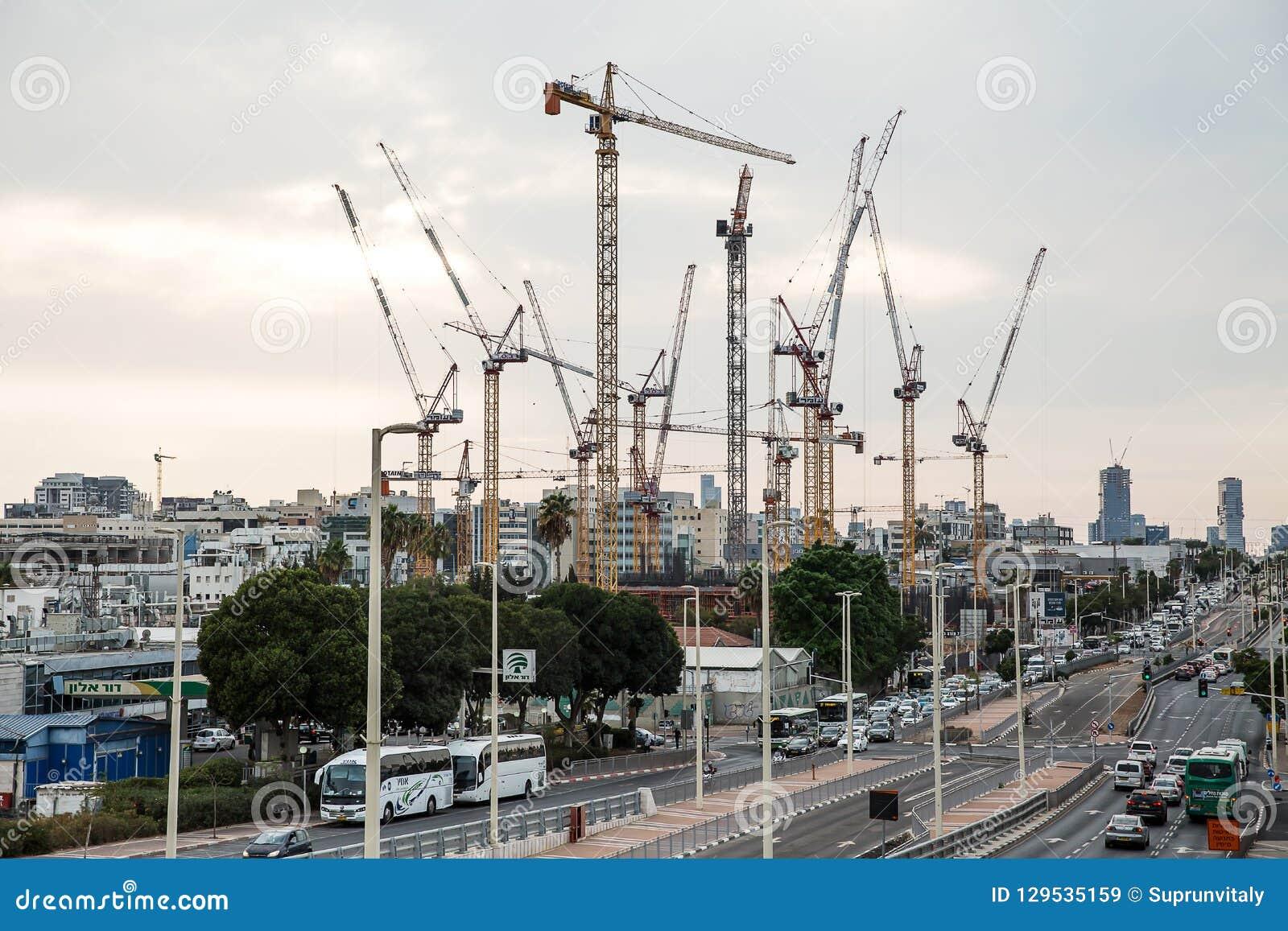 Baustelle des hohen Aufstiegsgebäudes in Petah Tikva israel