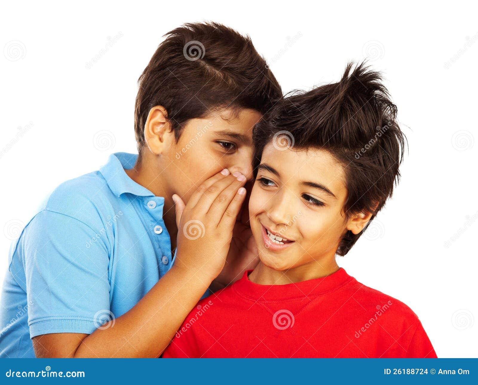 Bavardage de l adolescence de garçons