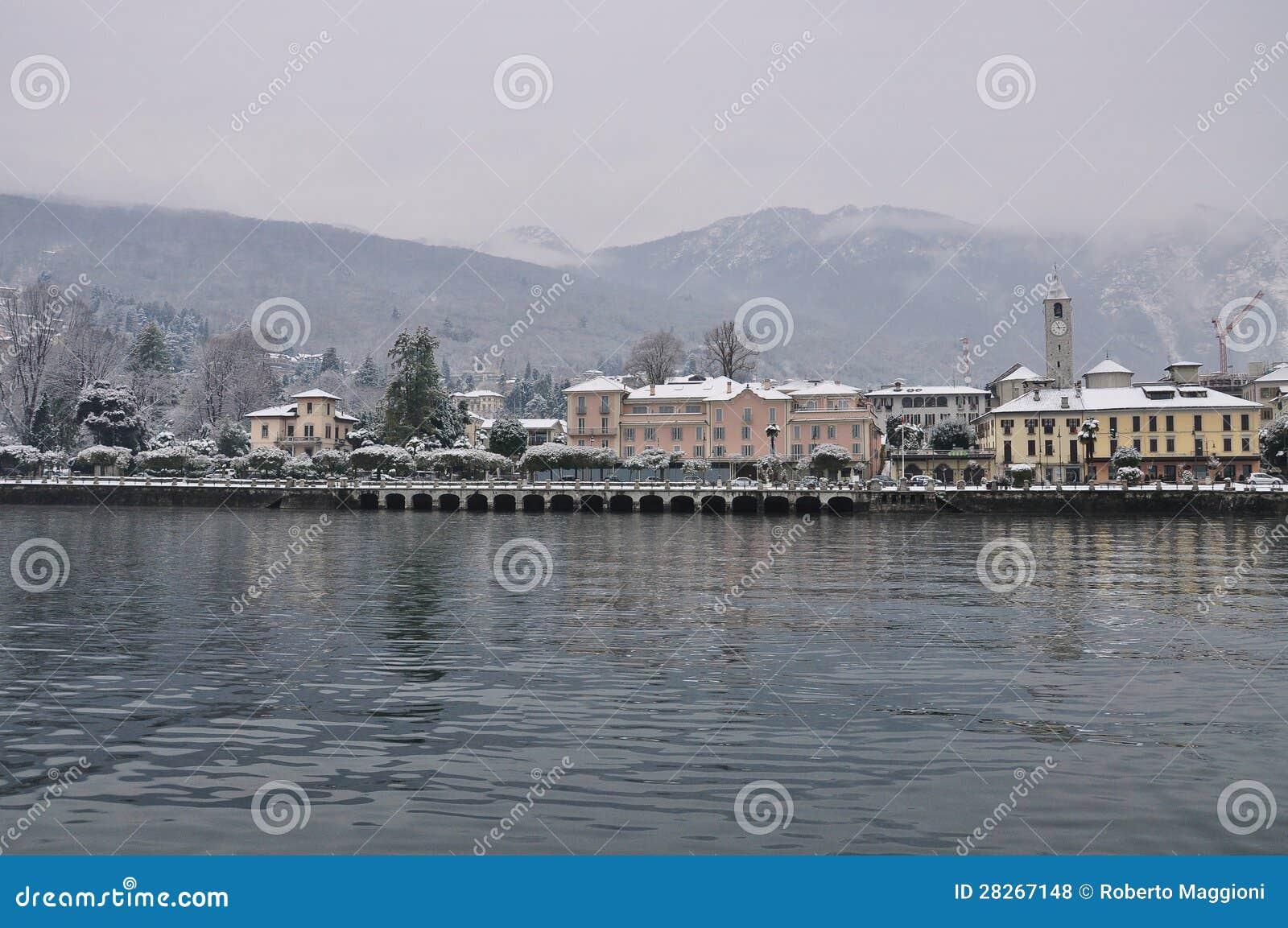 Baveno Lago Maggiore i vinter