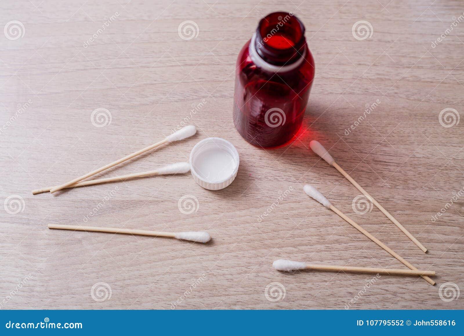 Bawełniani mopy i butelki