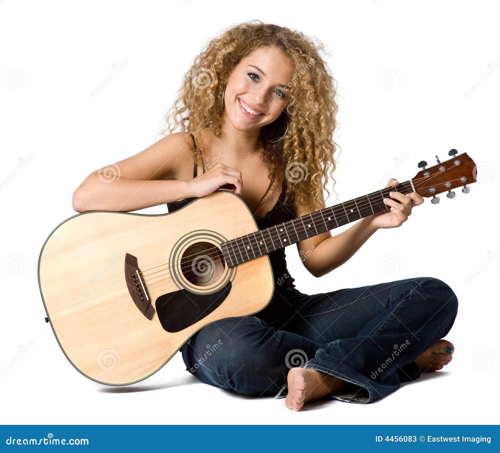 Bawić się Gitarę
