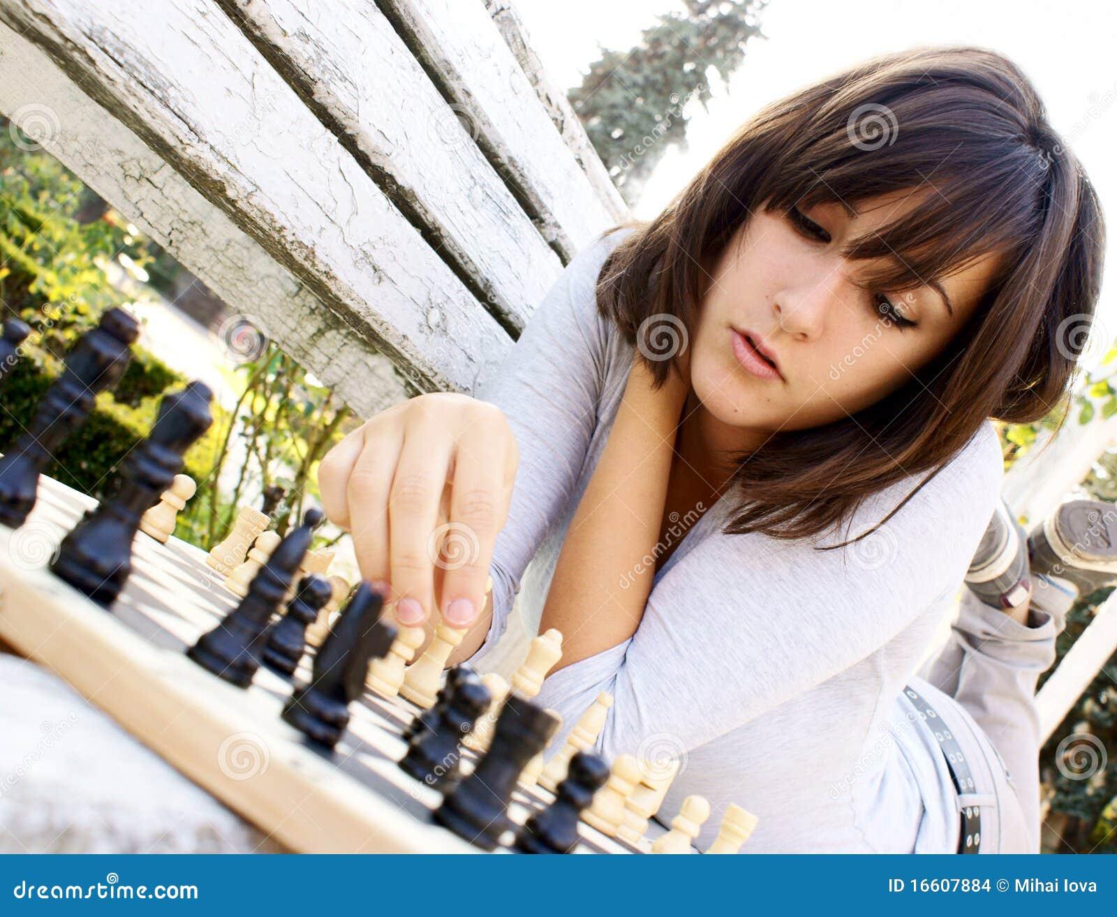 Bawić się kobiet potomstwa piękny szachy