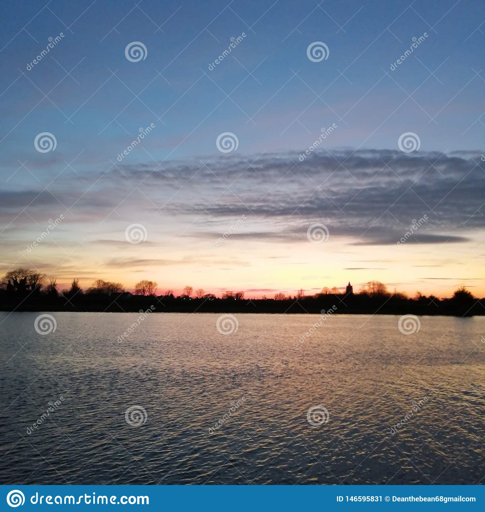 Bawsey zmierzchu jezioro