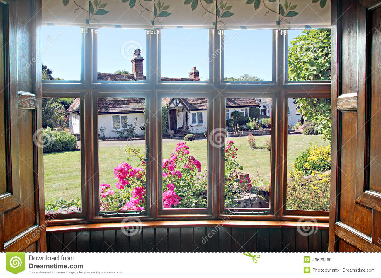 Bay Window Cottage Garden Stock Image Image Of Bungalows
