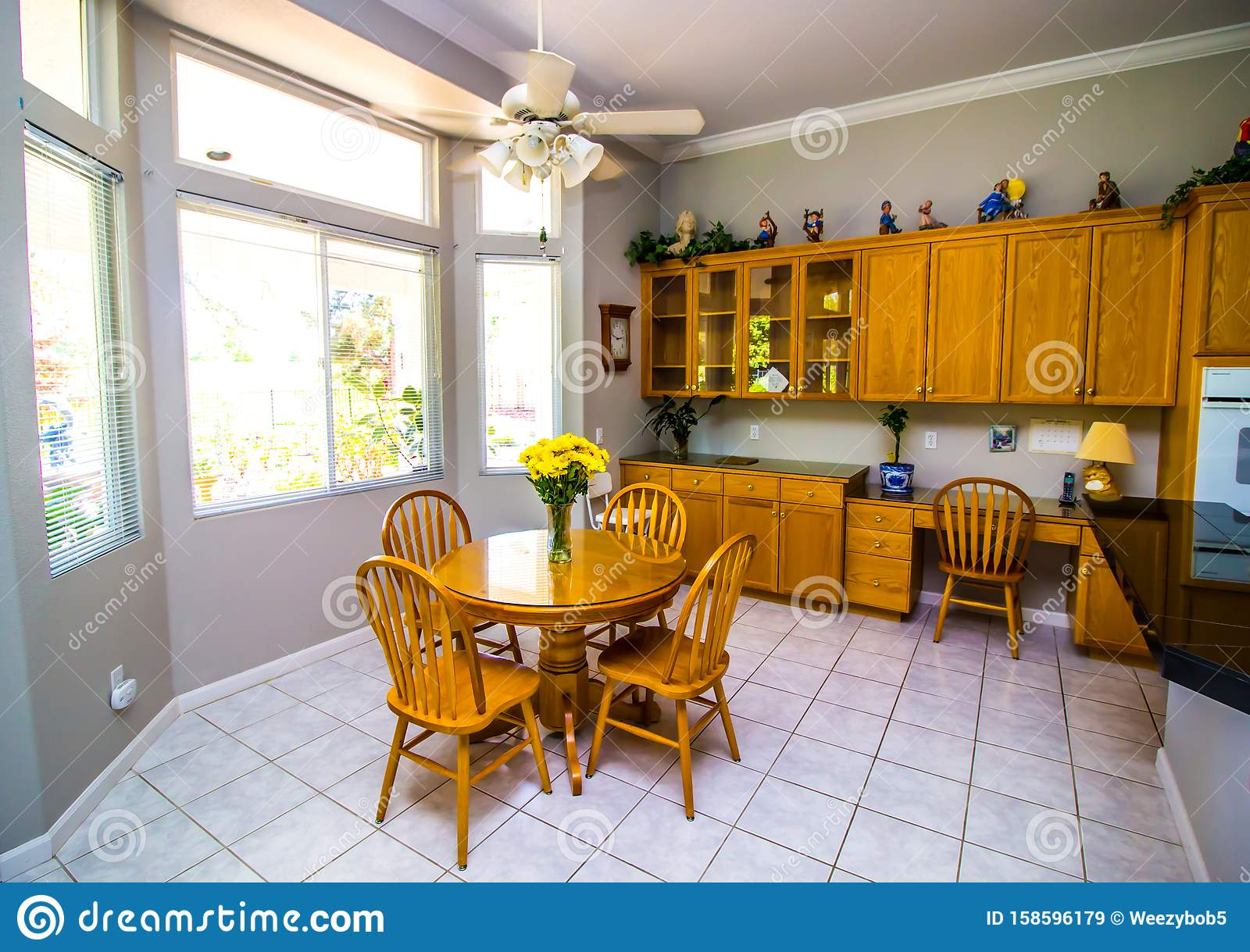Kitchen Eating Area Stock Images - Download 847 Royalty ...