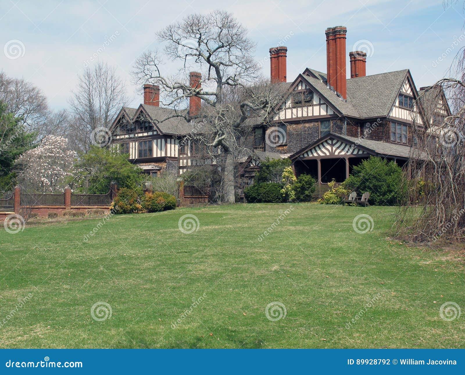 Bayard Cutting Mansion