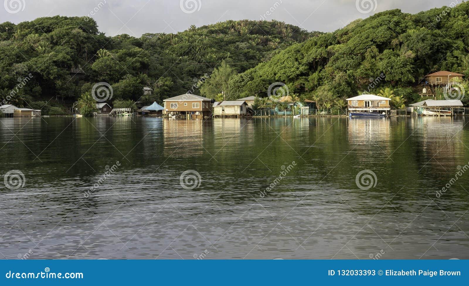 Baysidedorp in Jonesville-Bocht