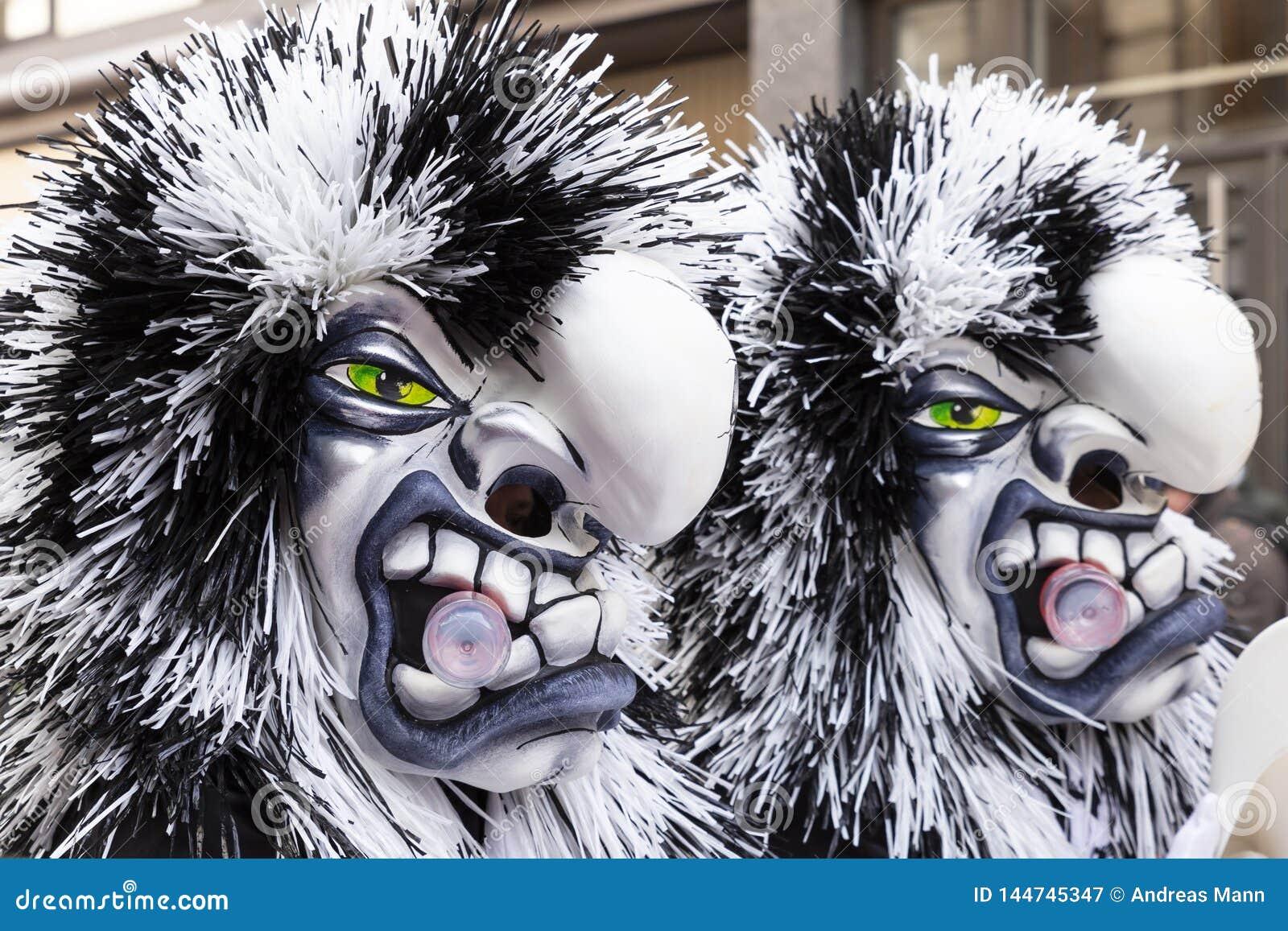 Bazel Carnaval 2019 dubbele maskers