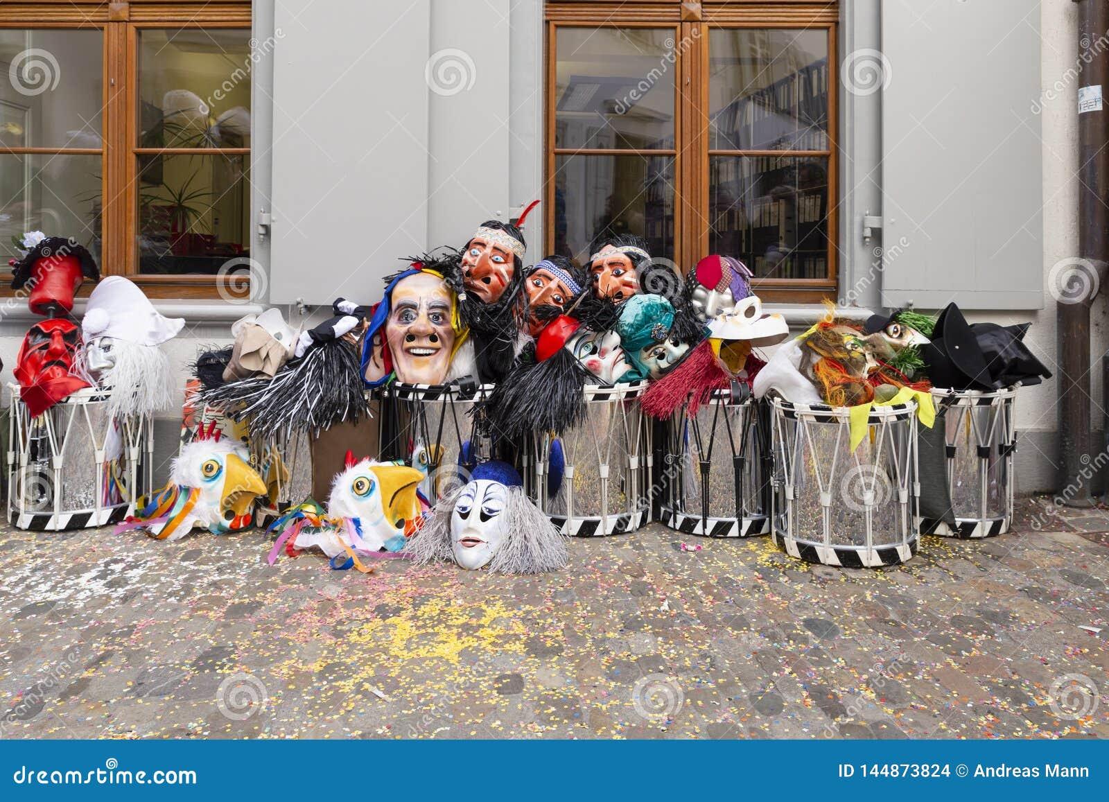 Bazel Carnaval 2019 maskers en striktrommels