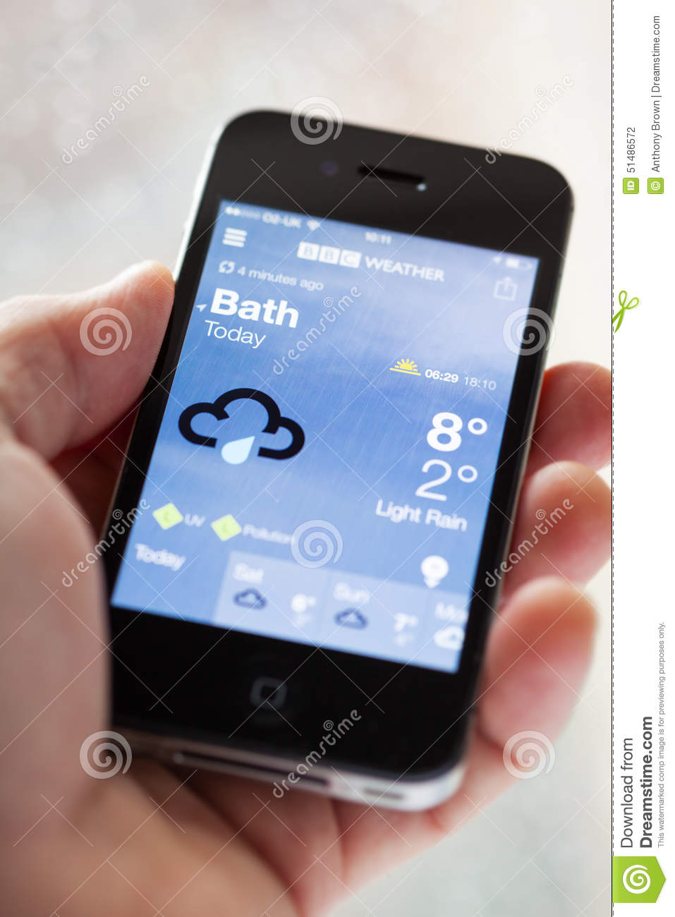 Bbc weather app on an iphone editorial photography image for Application iphone temperature interieur