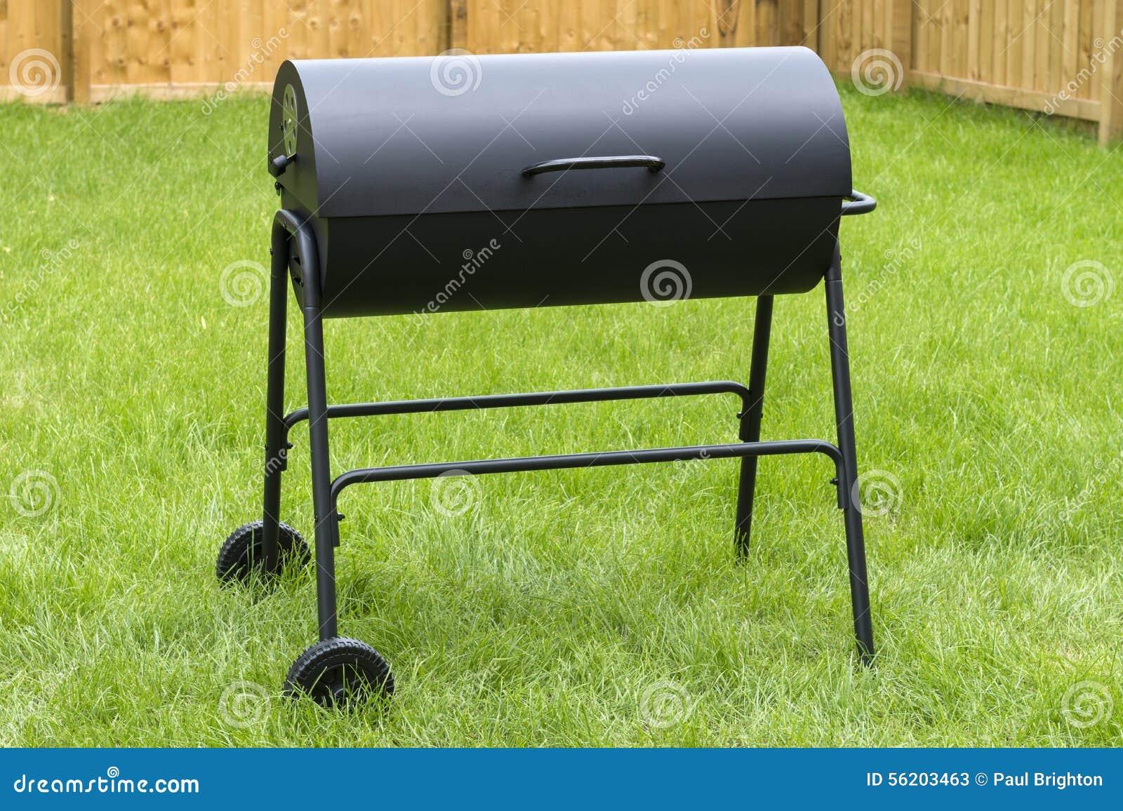 Bbq de charbon de bois de baril de tambour photo stock image 56203463 - Barbecue a charbon de bois ...