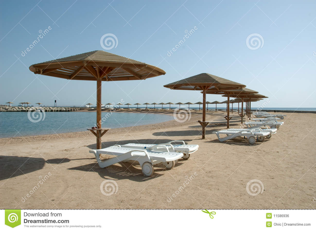Beach chaise lounge royalty free stock image image 11586936 for Beach lounge chaise