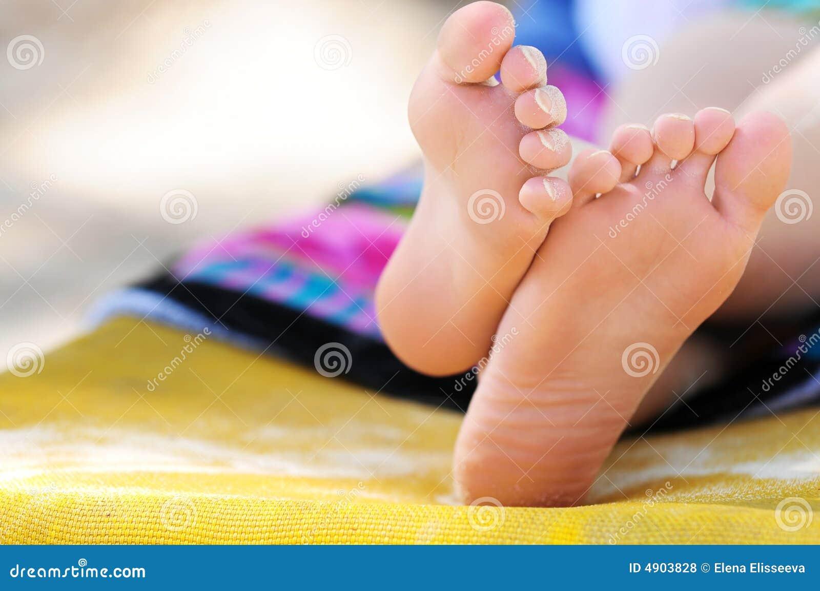 Free young feet pics