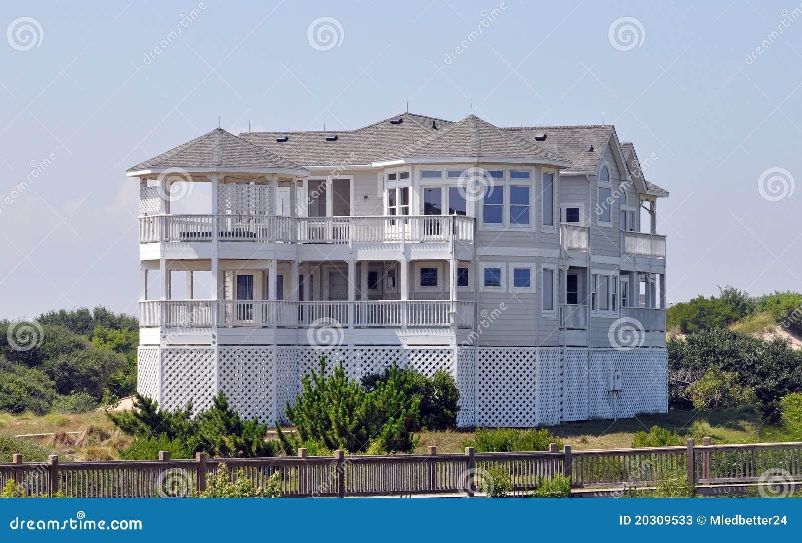 Beach house in north carolina stock photos image 20309533 for Deco maison de plage