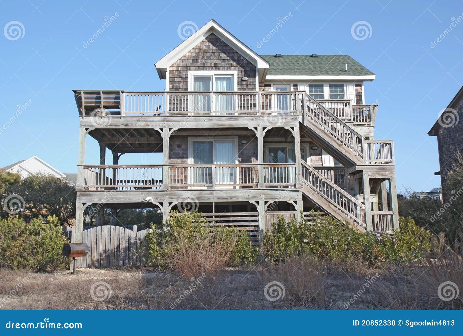 Beach house in north carolina stock photo image 20852330 for Carolina house