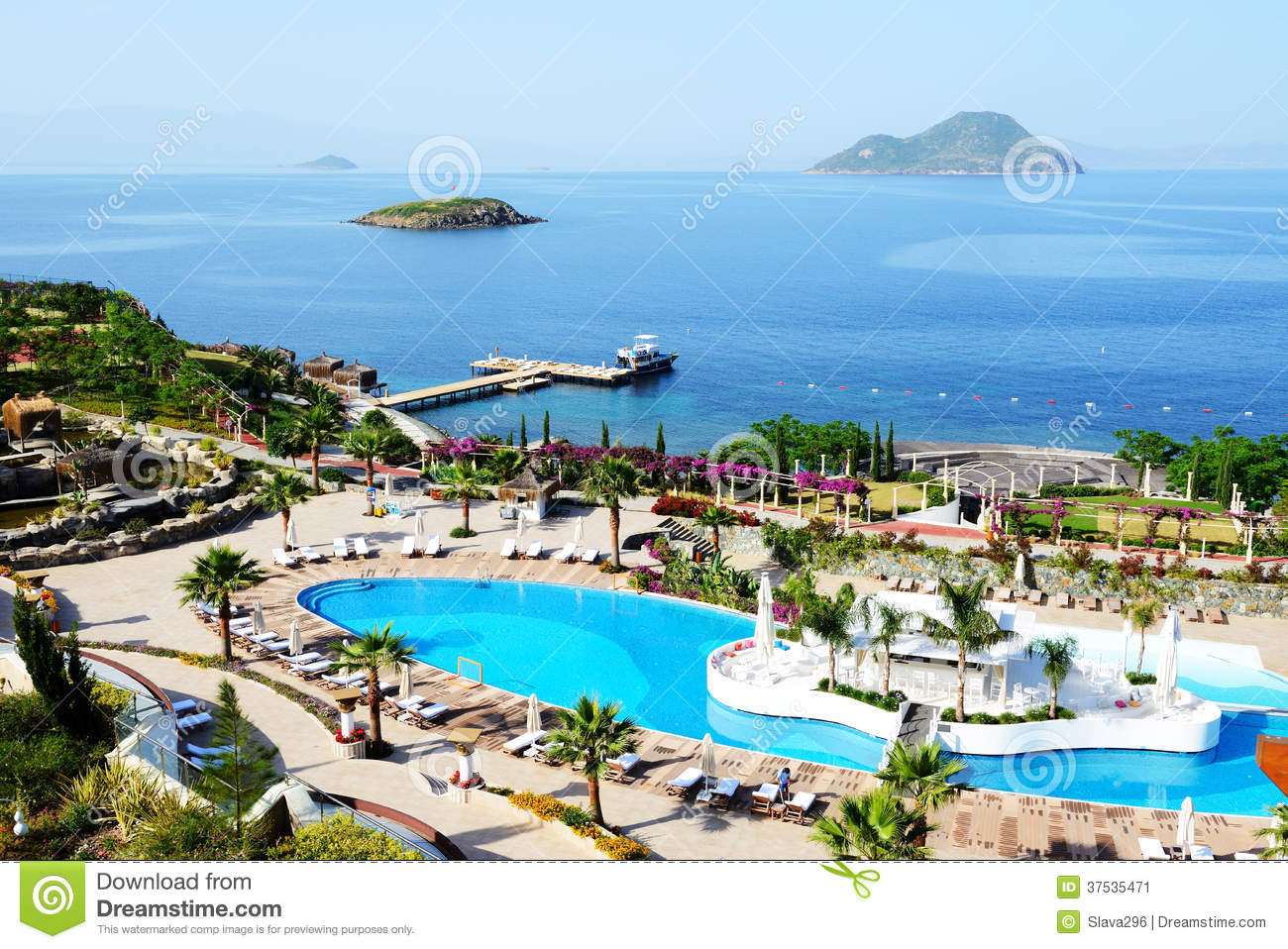 Beach At The Luxury Hotel Royalty Free Stock Image 81051700