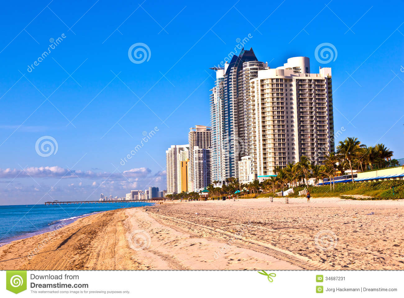 beach at sunny islands miami early editorial photo. Black Bedroom Furniture Sets. Home Design Ideas