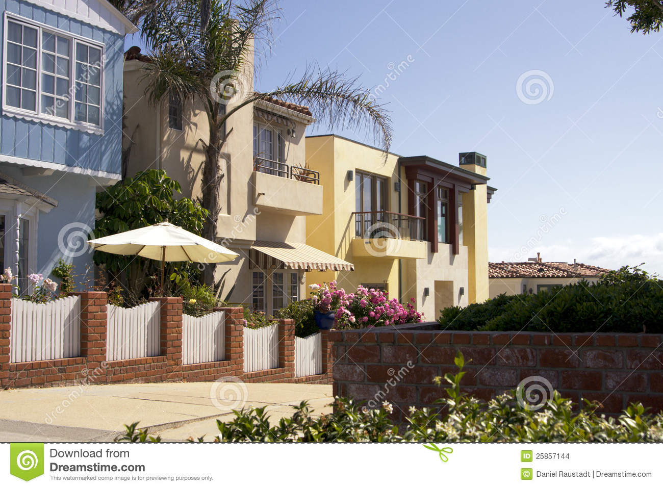 Beach Town Oceanfront Homes Stock Images Image 25857144