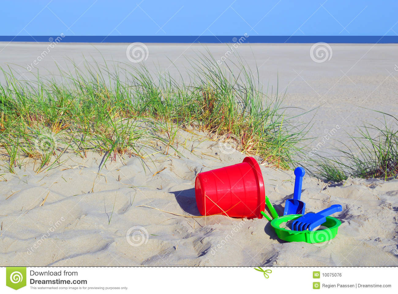 Download Beach toy stock photo. Image of ocean, coast, yellow - 10075076