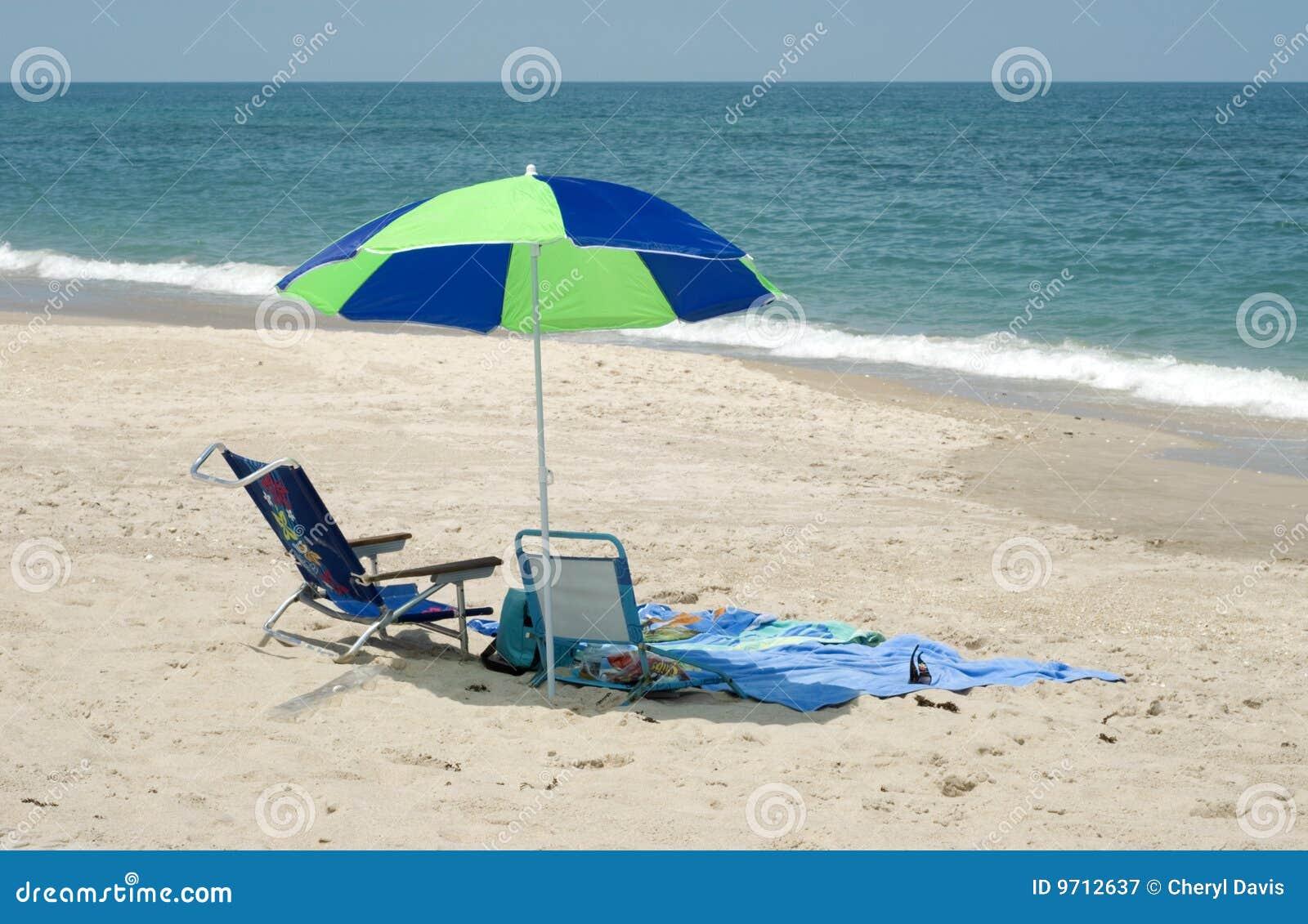 Beach chair with umbrella reanimators