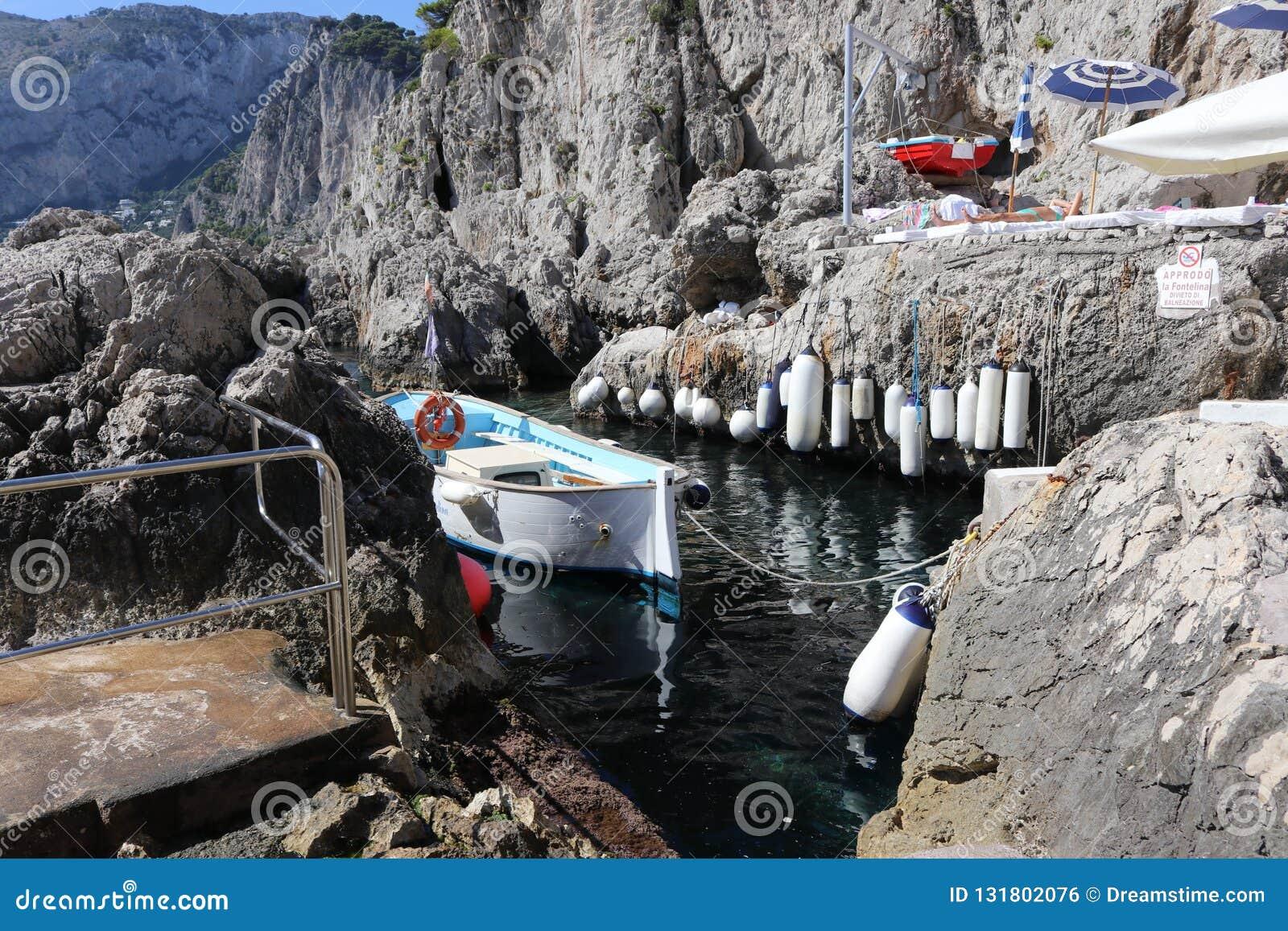 Beachclub bonito em Capri Itália