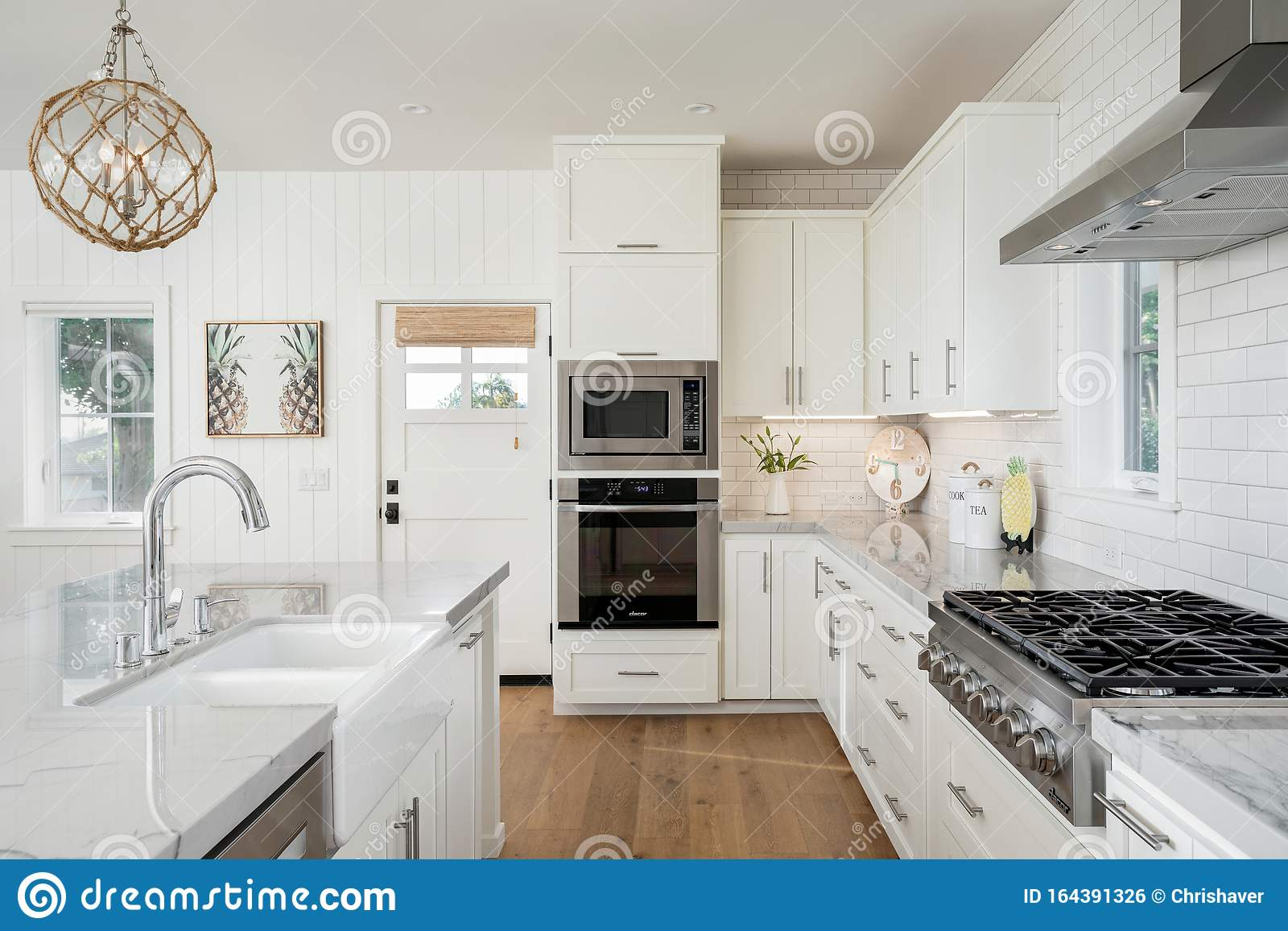 Beach Residential Kitchen Design Remodel Editorial Photo Image Of Building Hood 164391326