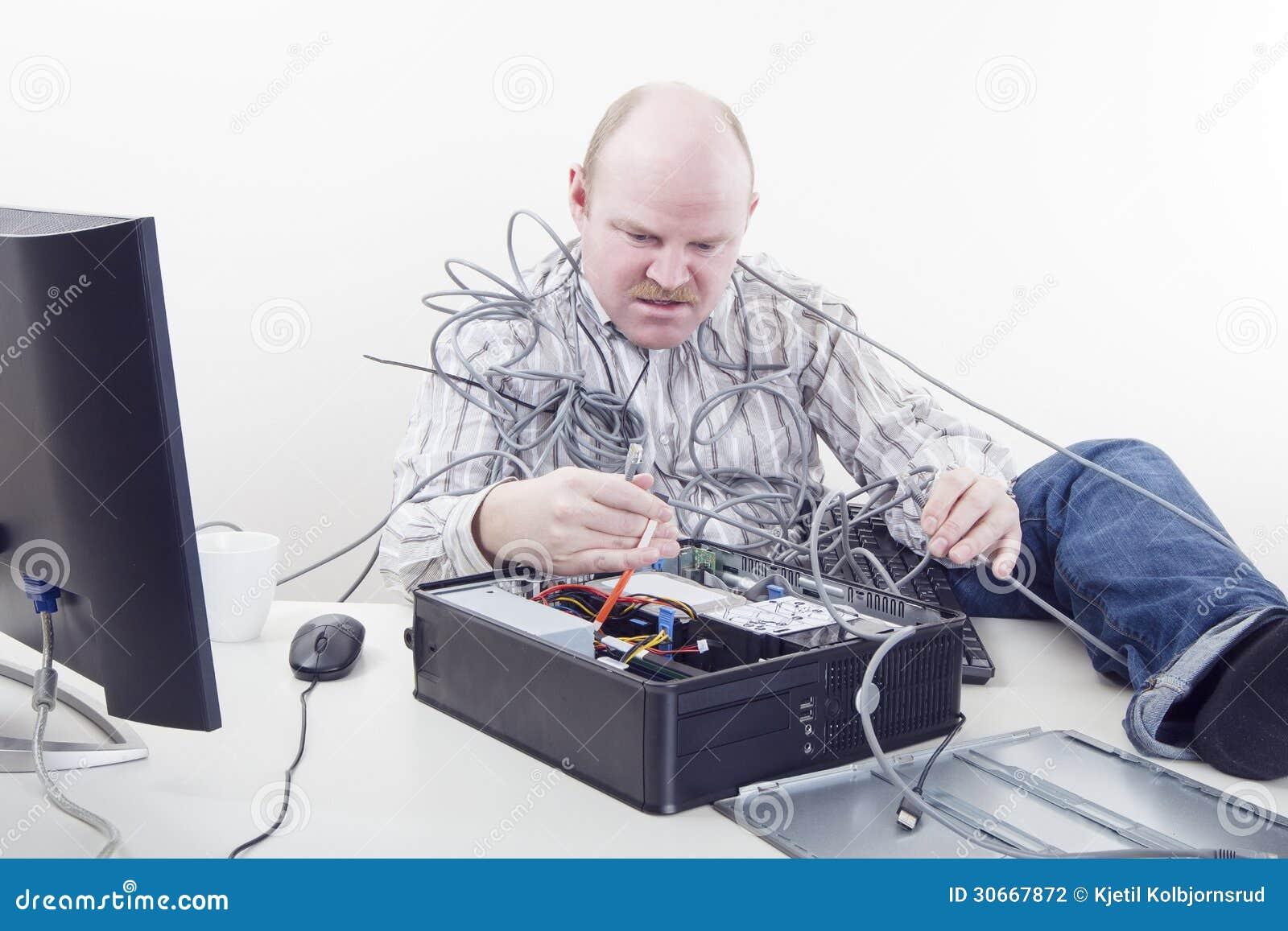 beambte met computerproblemen stock foto afbeelding