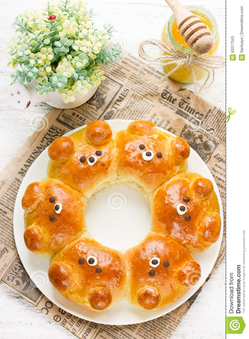 Bear buns creative idea for food art for kids stock for Creation cuisine
