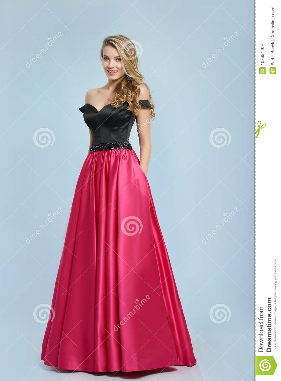 What Color Prom Dresses Look Good On Blondes - raveitsafe