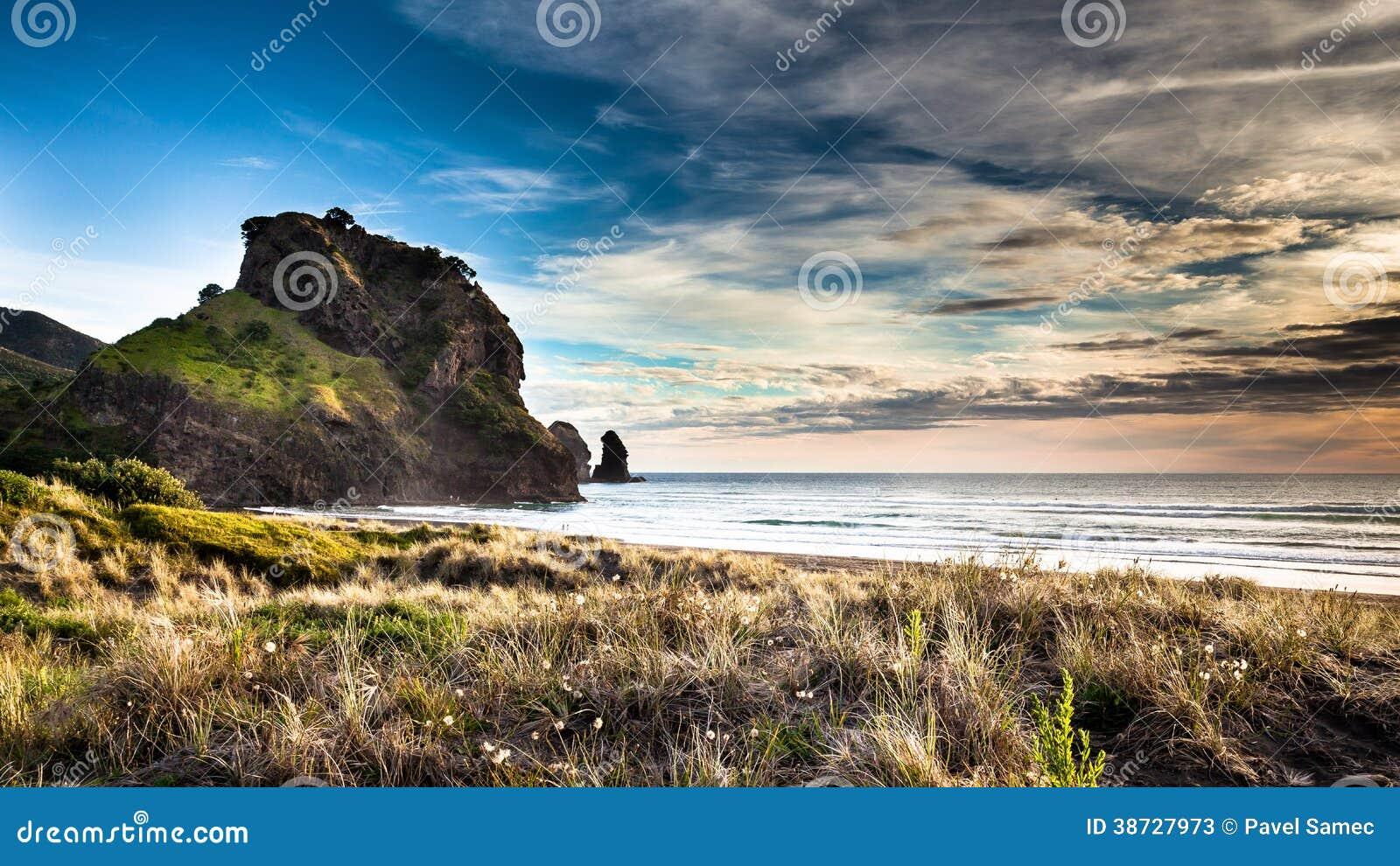 Beatiful sunset on Piha beach
