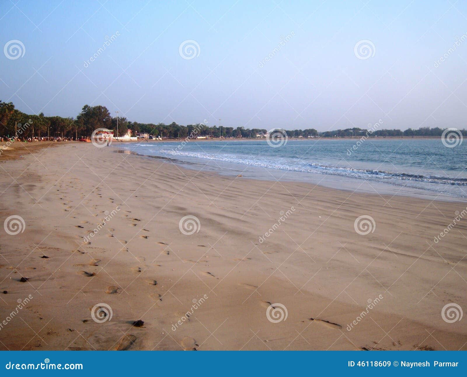 Beau bord de la mer chez Diu