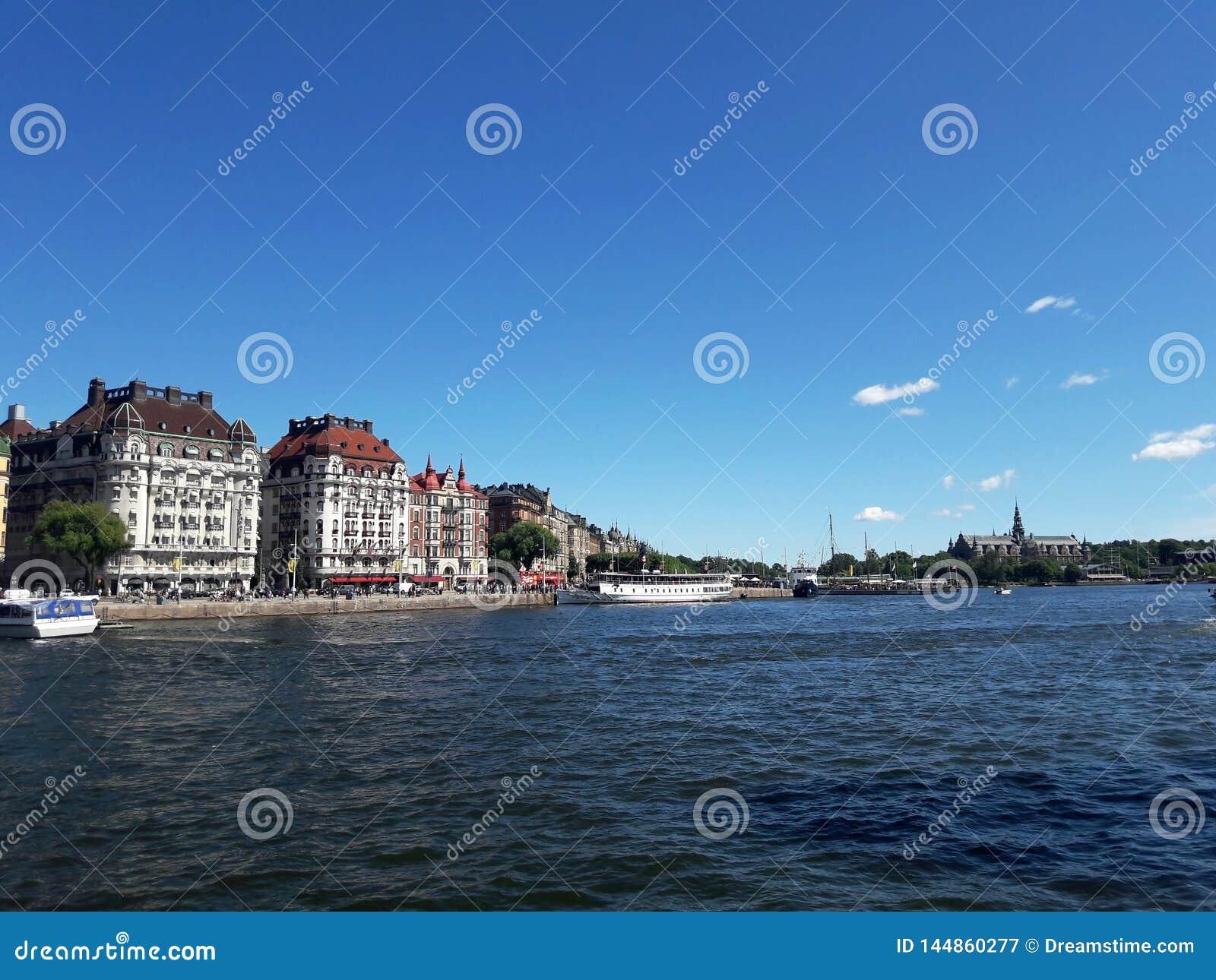 Beau centre de lac stockholm, rivi?re ?t?
