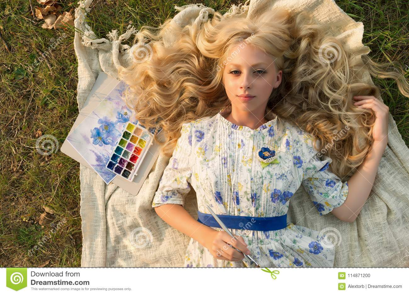 nu blondes adolescence