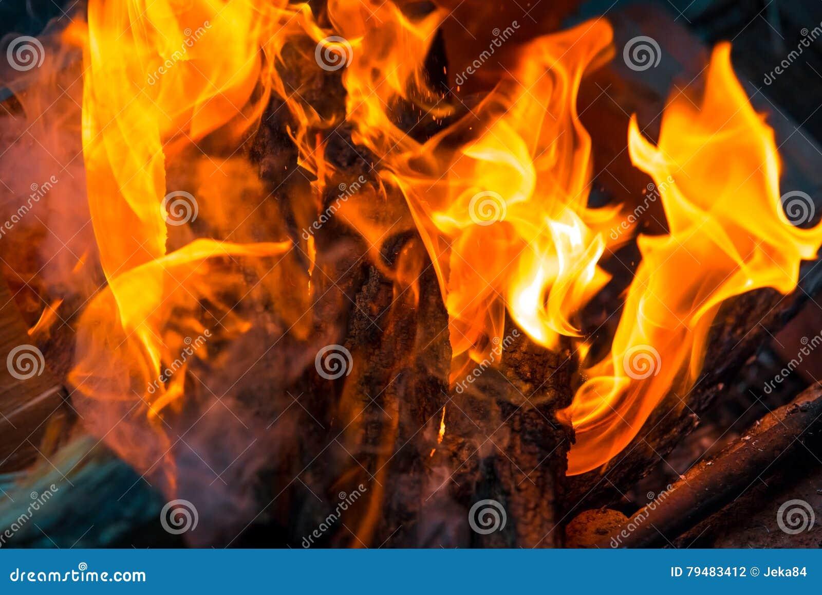 Beau fond brûlant de flamme du feu