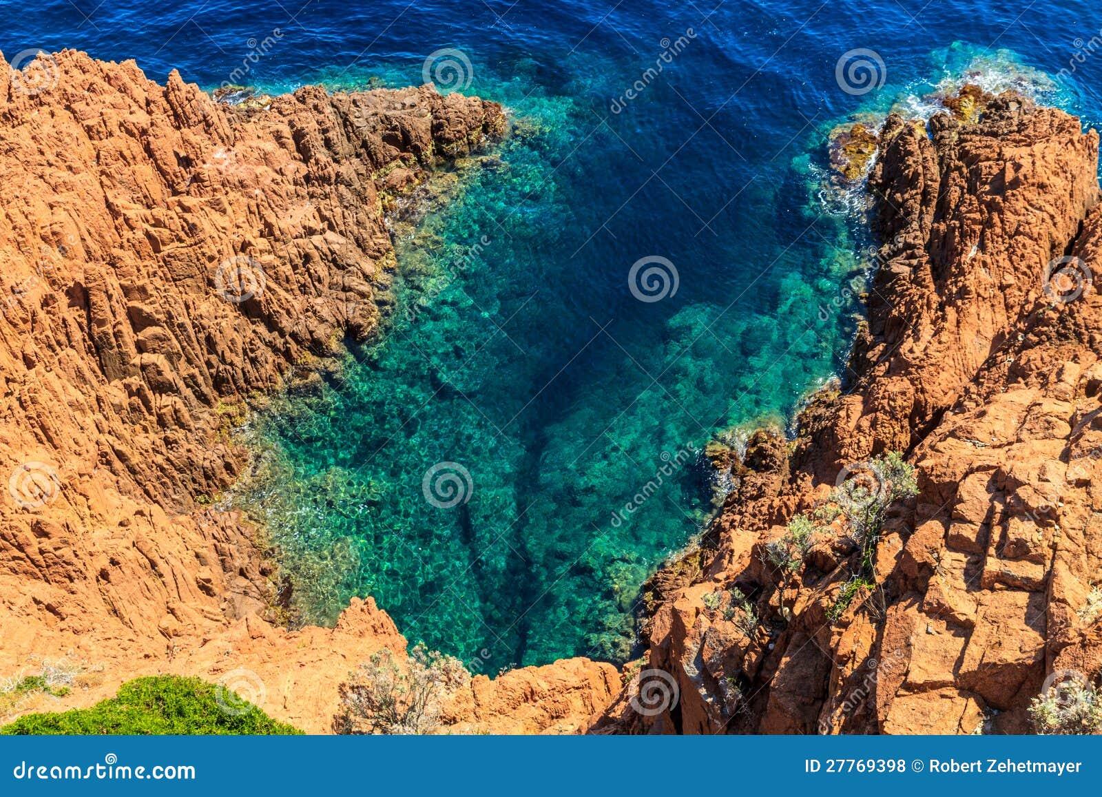 Beau littoral scénique sur la Côte d Azur près de Cannes