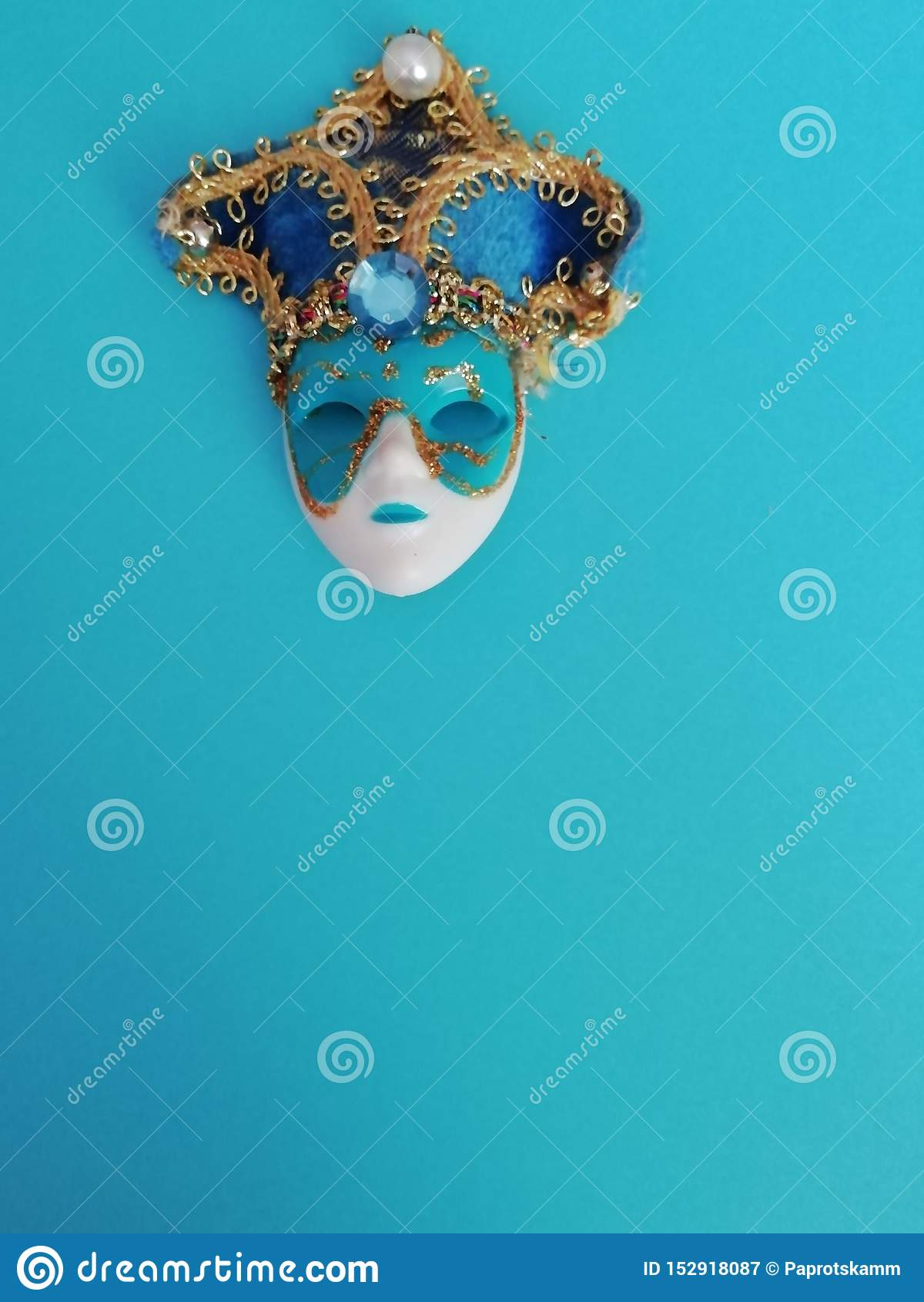Beau masque vénitien élégant pour la conception différente