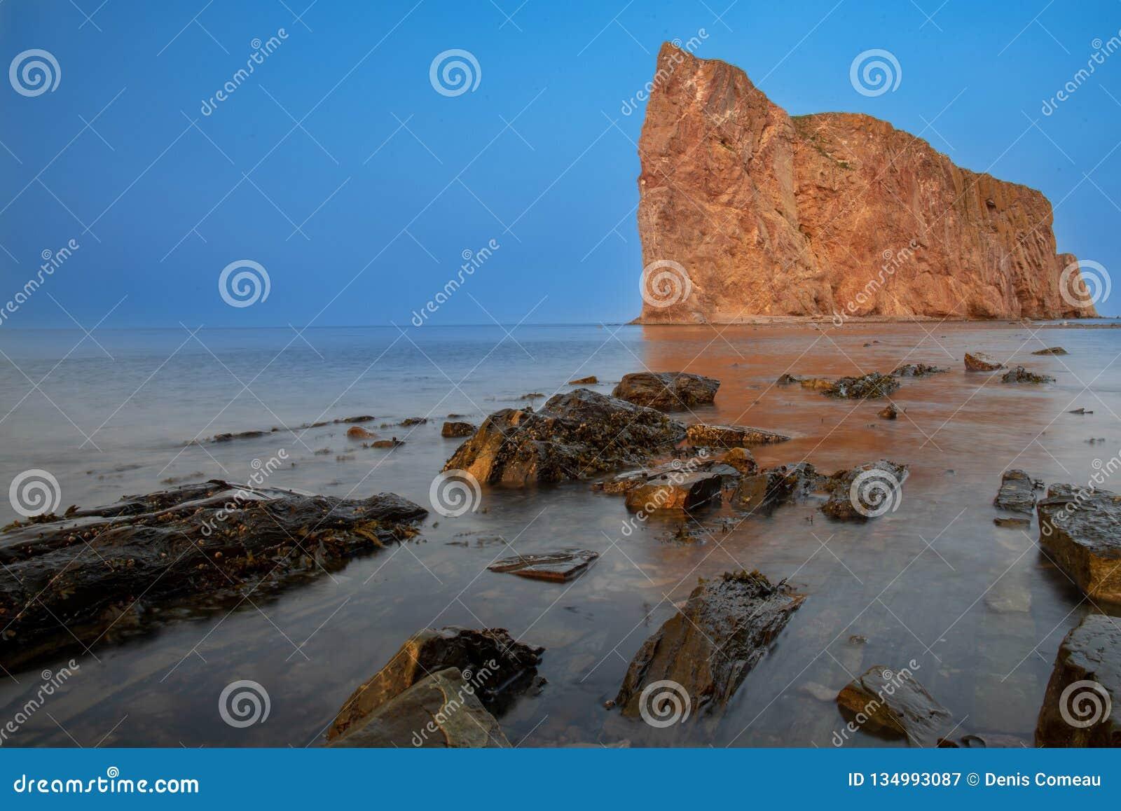 Beau Perce Rock, péninsule de Gaspé, Québec, Canada