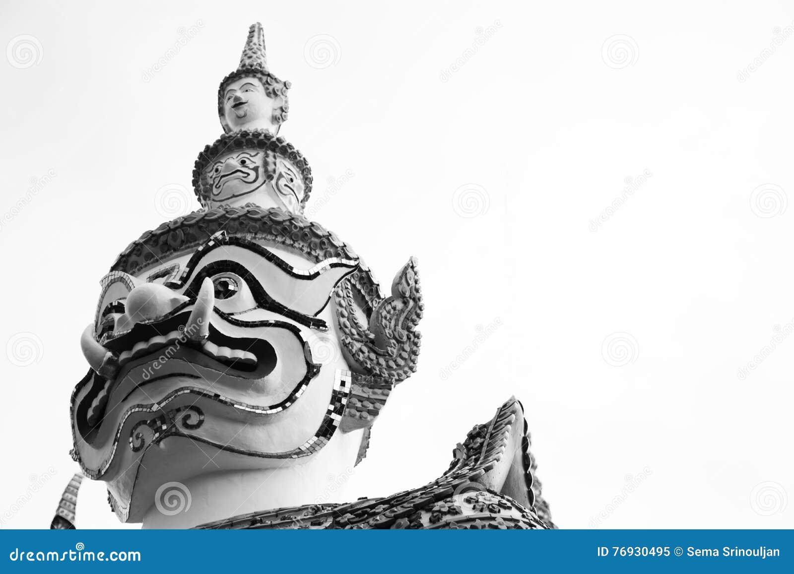 Beau plan rapproché le géant à l arun de Wat dans Bkk, Thaïlande - noire et blanche