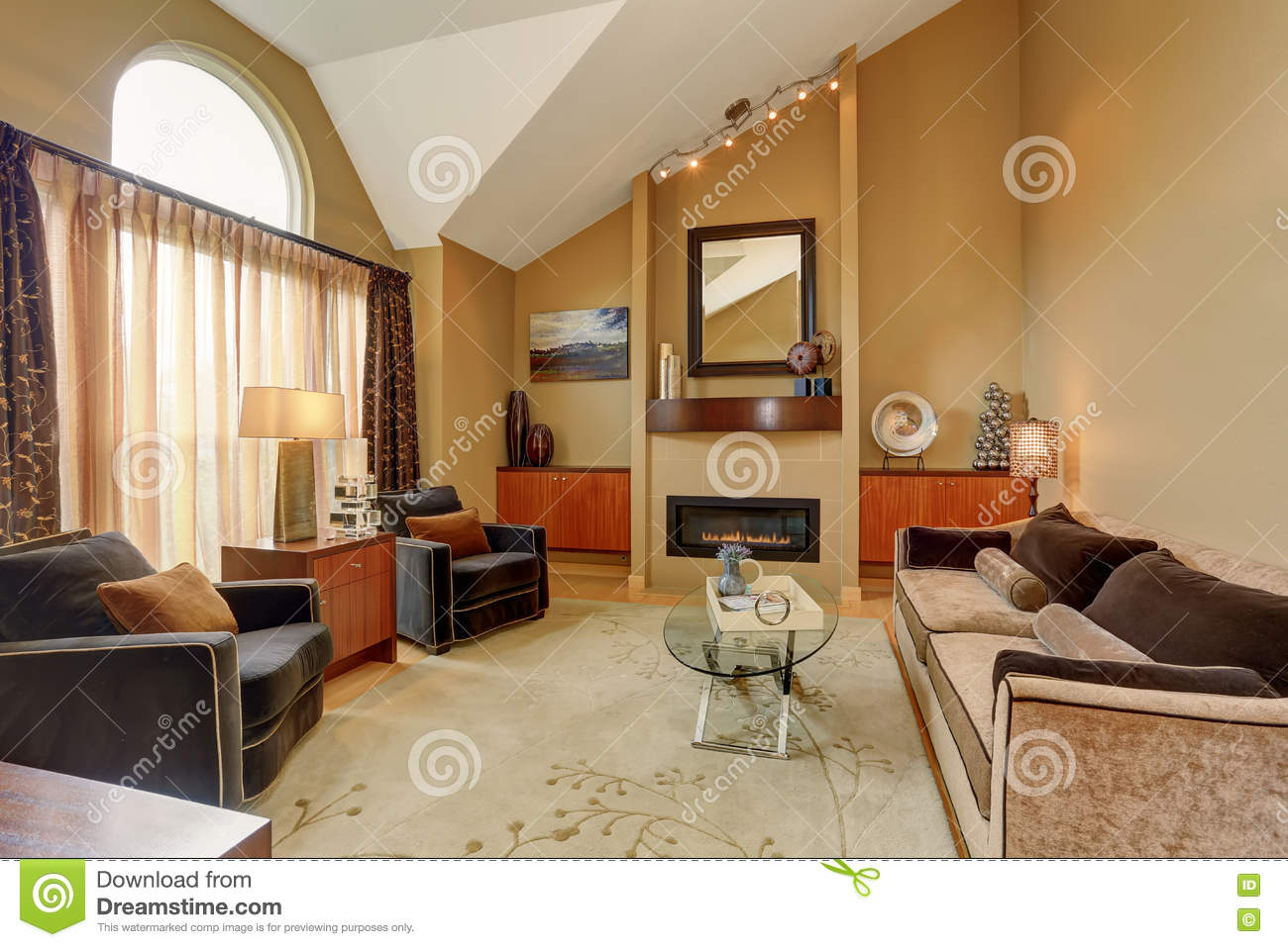 beau salon brun et beige avec le plafond vo t image stock. Black Bedroom Furniture Sets. Home Design Ideas