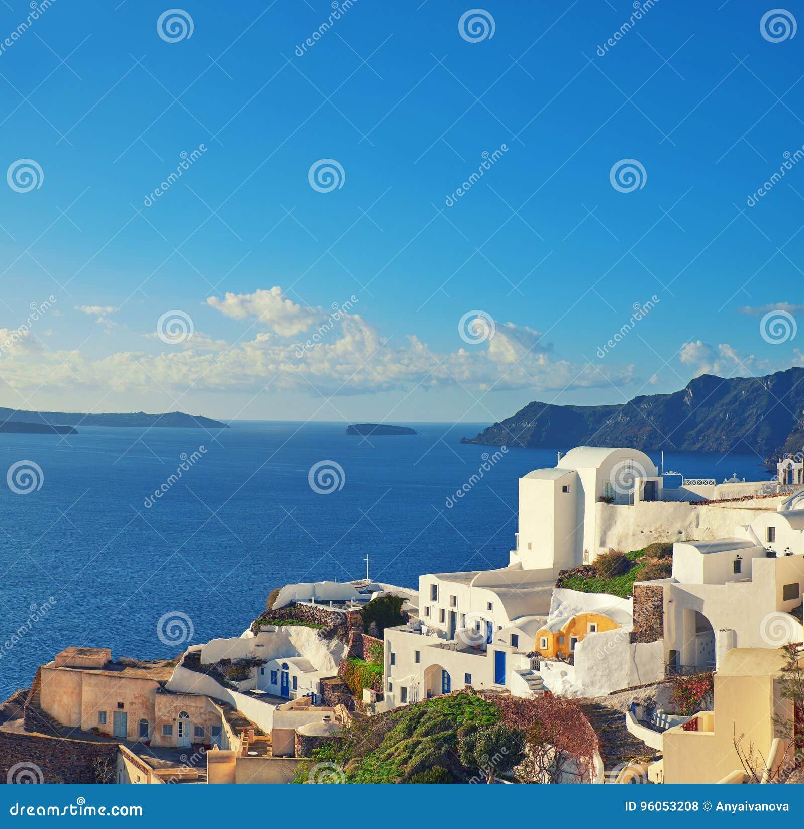 Beau Santorini en Grèce, vue de caldeira de village d Oia