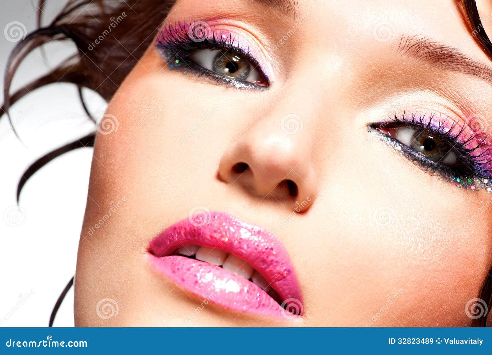 Beau visage d 39 une femme avec le maquillage de mode image stock image du fille sexy 32823489 - Maquillage araignee visage ...