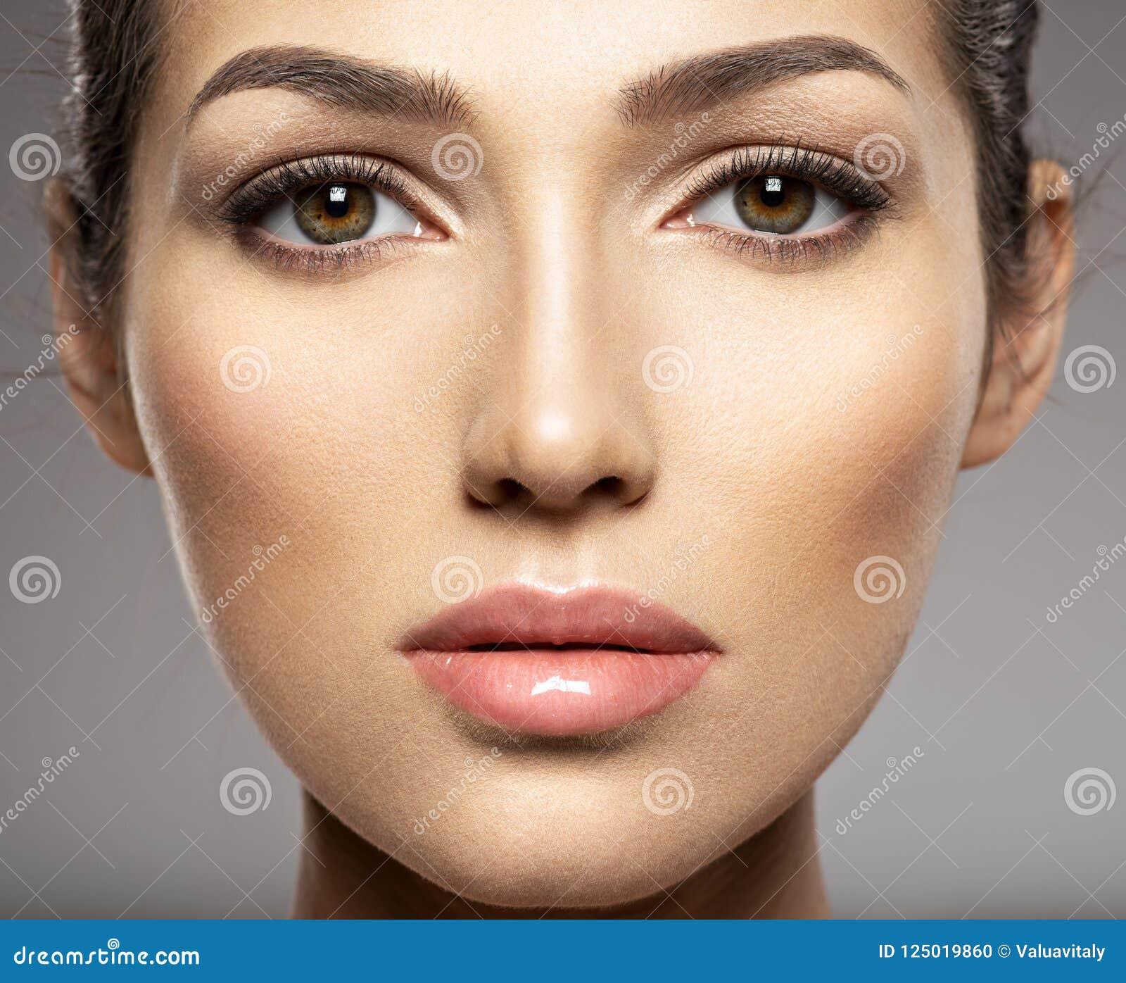 Beau visage de femme