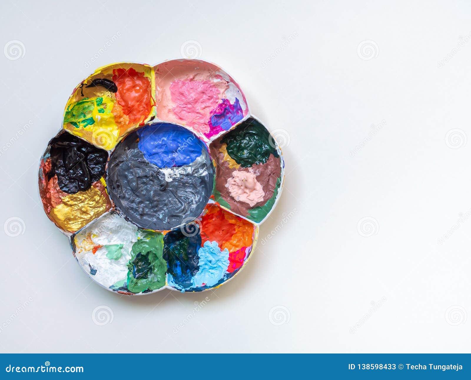 Beaucoup Couleur De Peinture Acrylique Dans La Palette