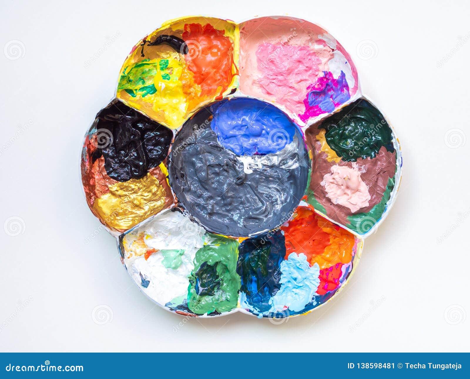 Beaucoup Couleur De Peinture Acrylique Dans La Palette Blanche En