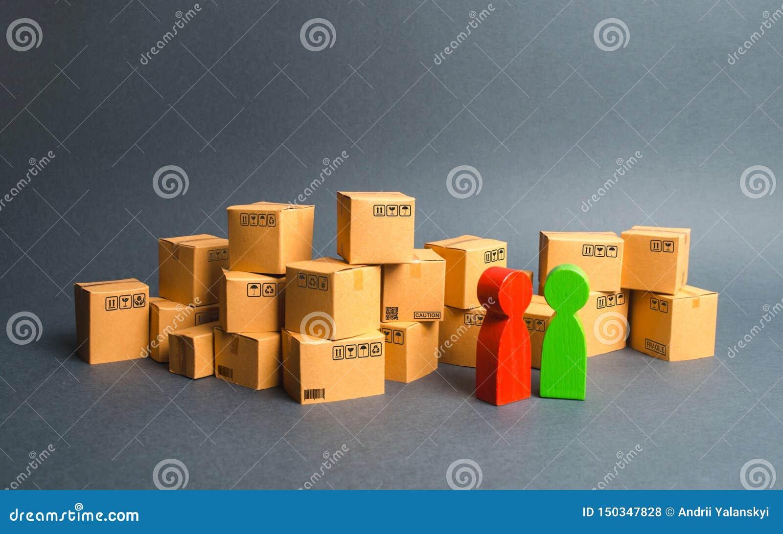 Beaucoup de boîtes et une communication entre l acheteur et le vendeur, ou entre le fabricant et le détaillant discussion