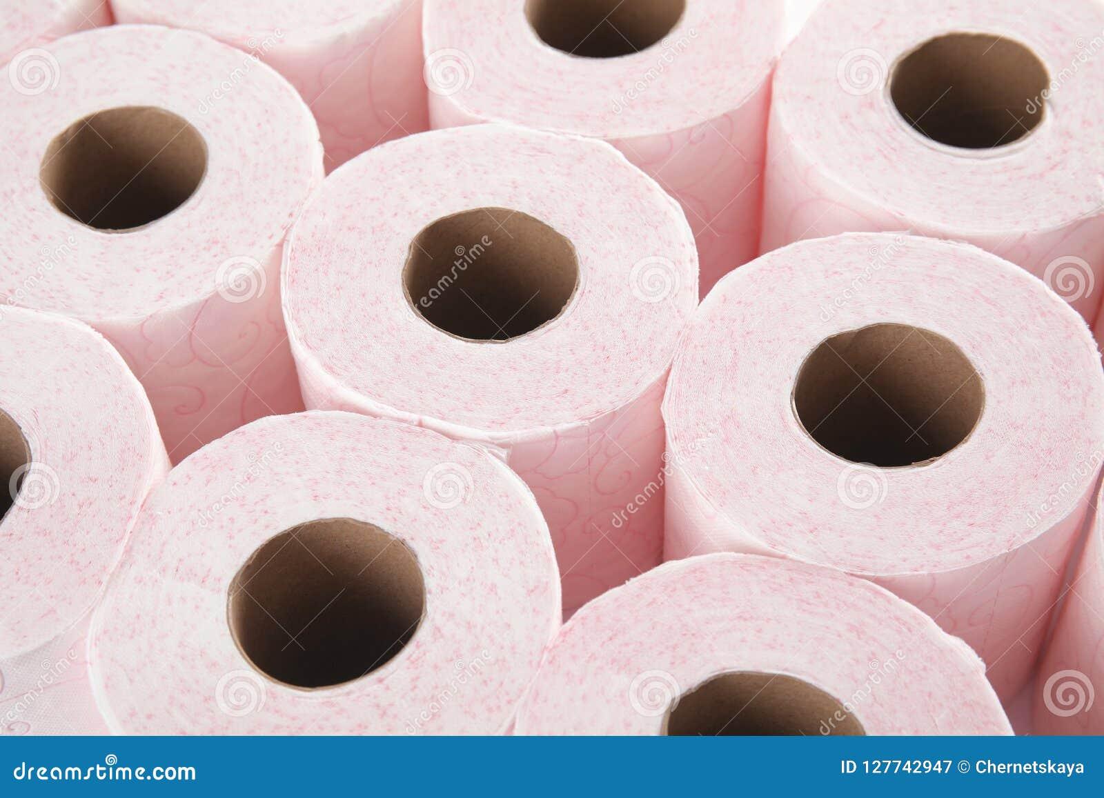 Beaucoup de rouleaux de papier hygiénique