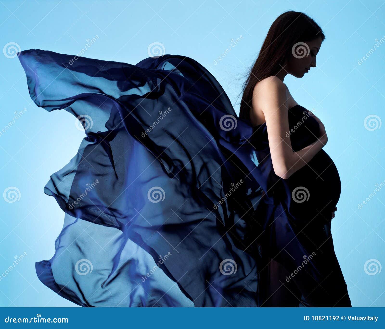 Beauté et charme de femme enceinte